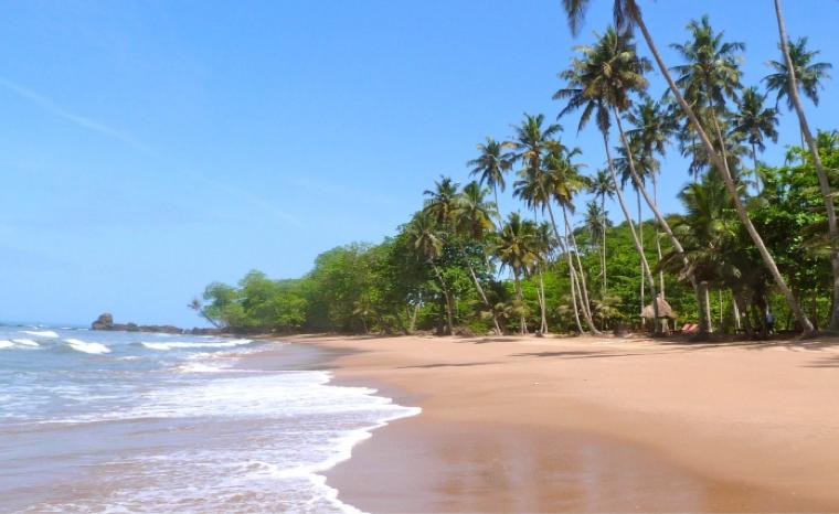 Strandhotel Surfen In Ghana Deutsches Resort Travel Friends Com