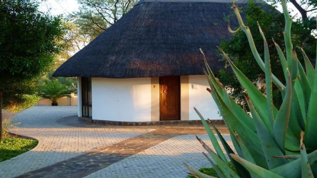 Unsere Rundbungalows in traditionellem Stil - Namibia -