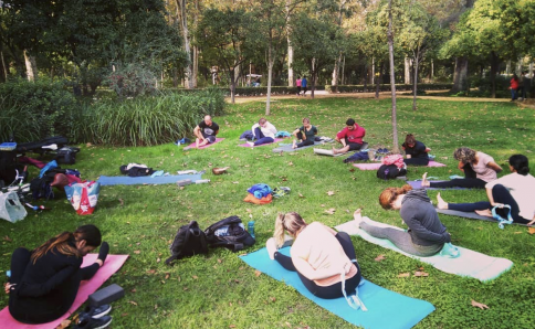 Yoga, Klang, Meditation in Sevilla, Andalusien